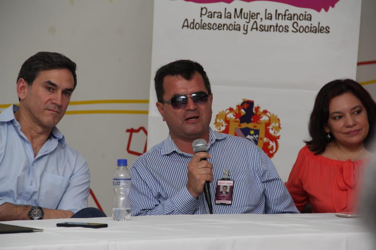 Jairo Clopatosfky, alto consejero presidencial para Asuntos de Discapacidad, preside evento en Neiva