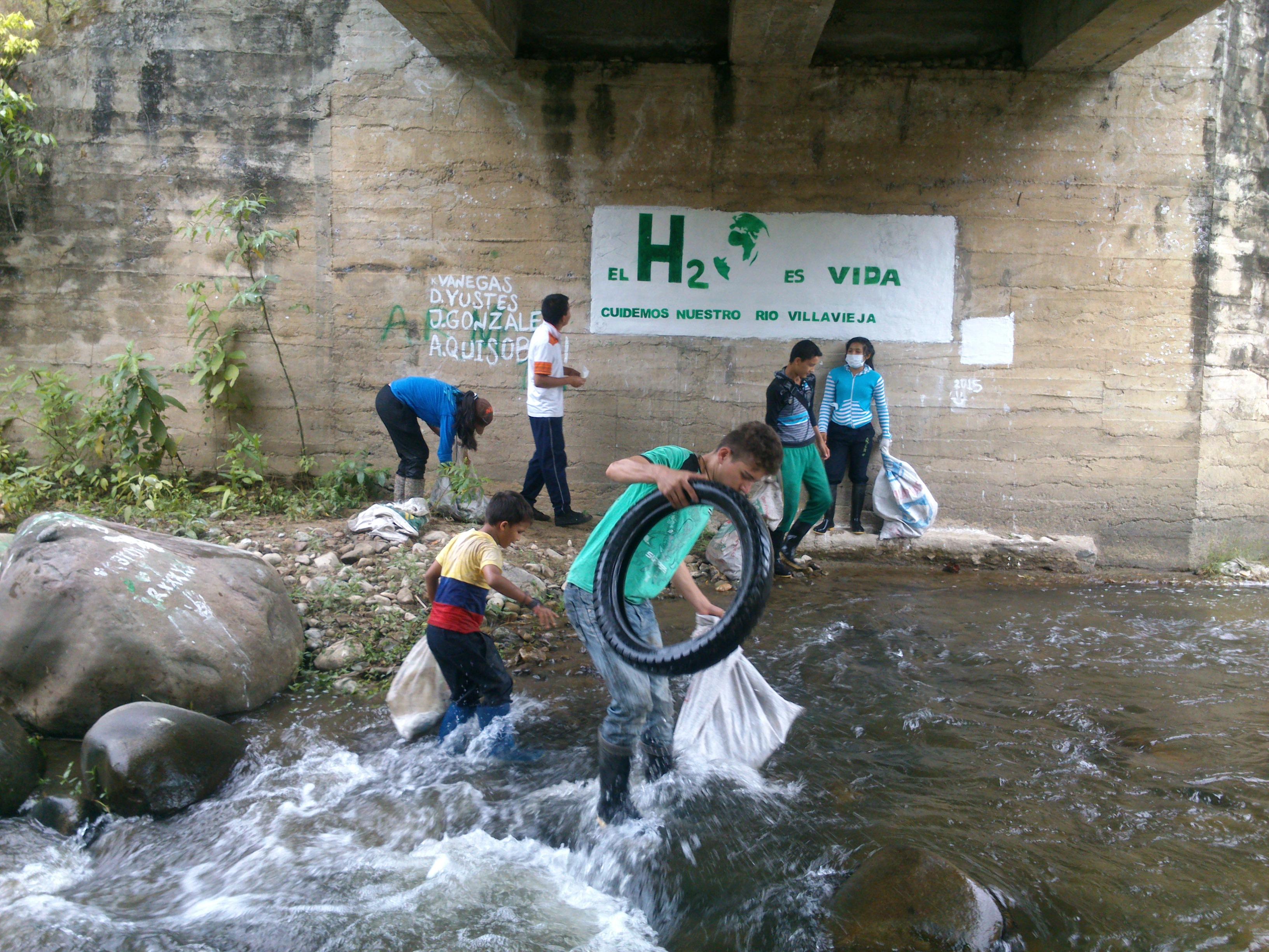 Los estudiantes huilenses lideran iniciativas en favor de los recursos naturales como los ríos. Foto Suministrada