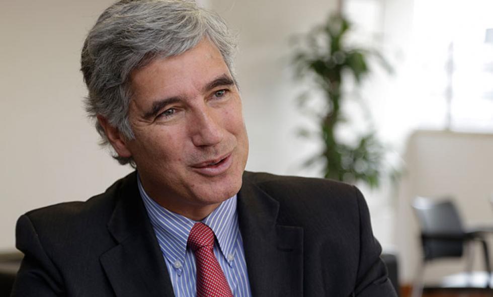 Resultado de imagen para Ministro de Salud, Juan Pablo Uribe