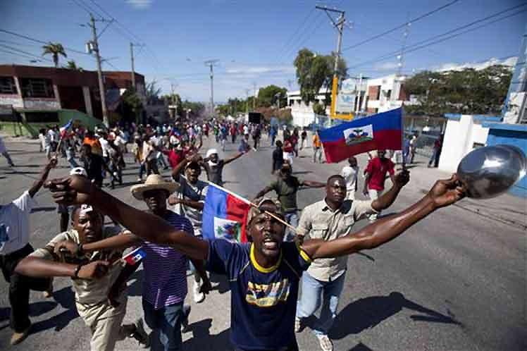 Haití al borde de la guerra civil