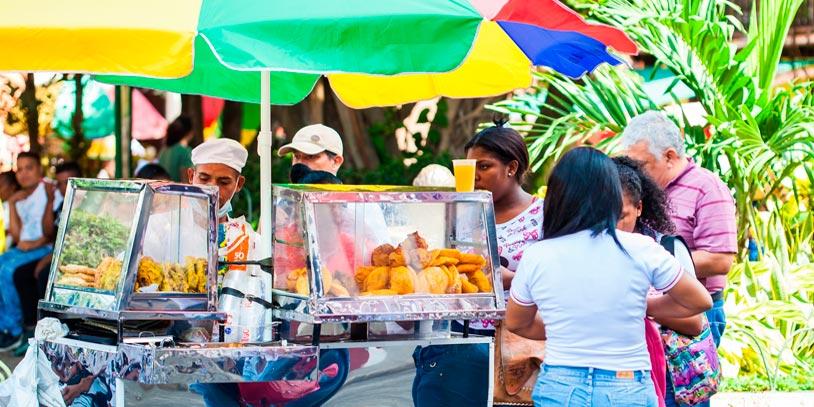 Fue demandado el artículo 140 que fija multas y sanciones para vendedores ambulantes