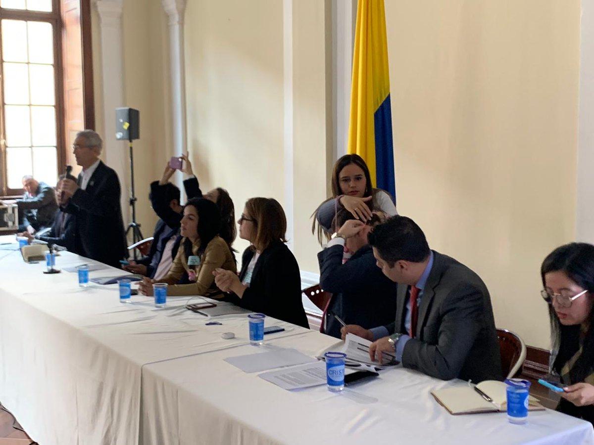 25 exjefes de las FARC fueron denunciados por abusos y violaciones  contra niños y mujeres