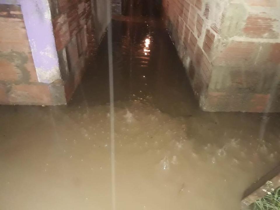 En Bosa solicitan ayuda por inundaciones a causa de fuertes lluvias en las últimas horas