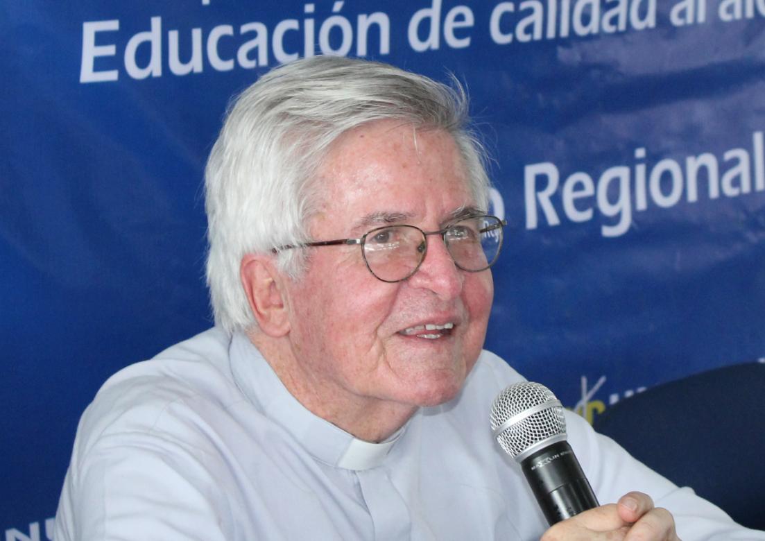 Padre Diego Jaramillo, nuevo presidente de Comisión Mutis en relevo de Belisario Betancur