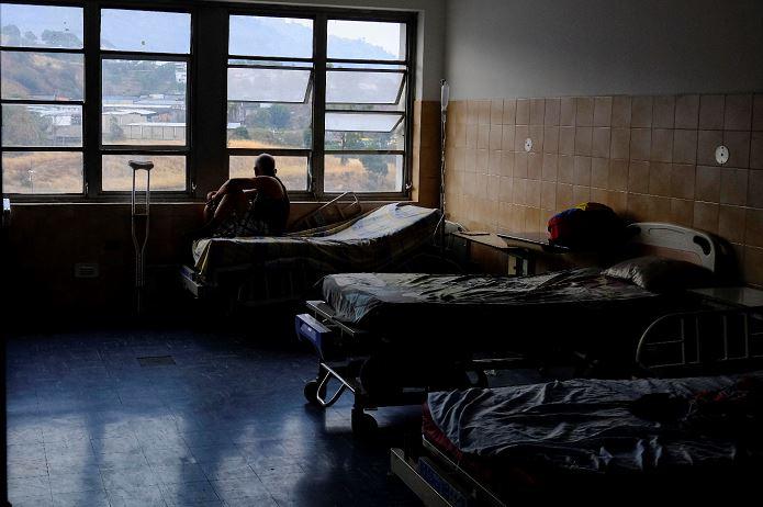El número de muertos en los hospitales de Venezuela aumenta a 21