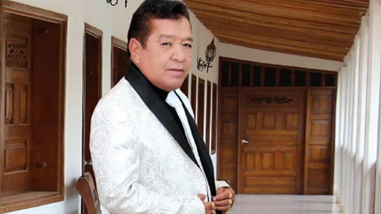 Pastor López en cuidados intensivos por un presunto derrame cerebral