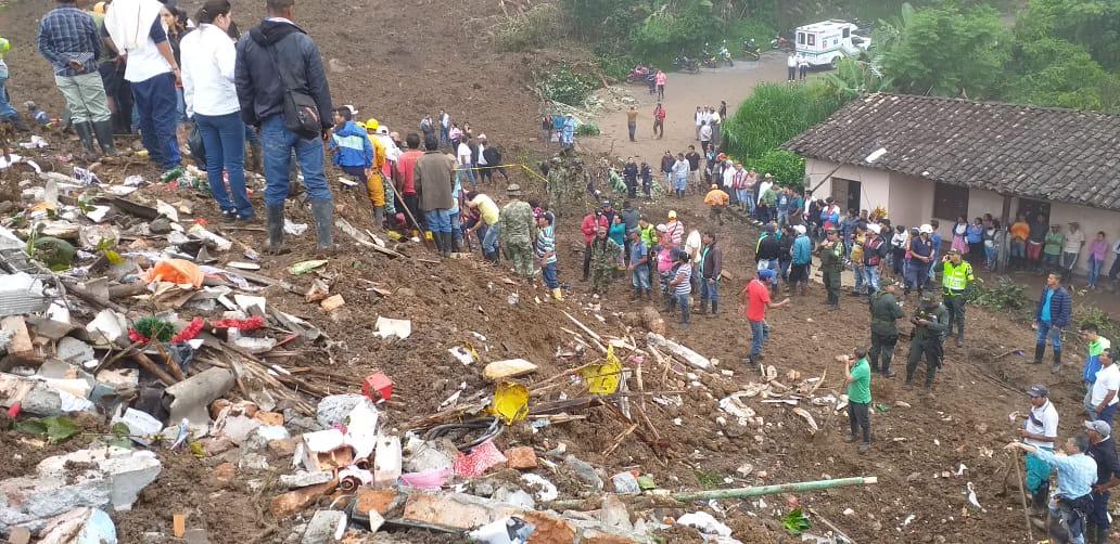 Continúan trabajos de rescate de cuerpos en el departamento del Cauca