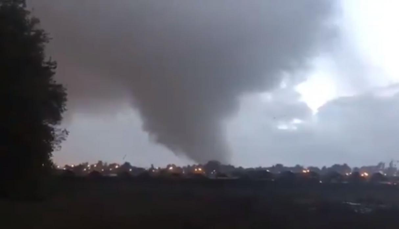 Fuerte tornado sacudió a Chile