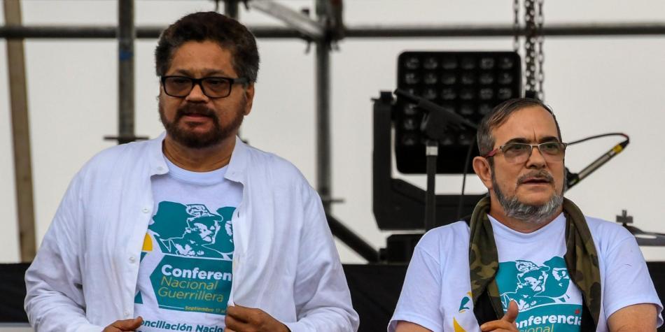 """""""Fue un error haber entregado las armas"""", dice Iván Márquez y Rodrigo Londoño le responde"""