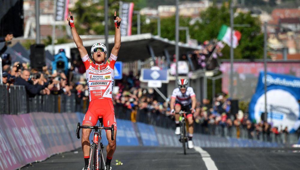 Resumen: Etapa de revolcón en el Giro de Italia