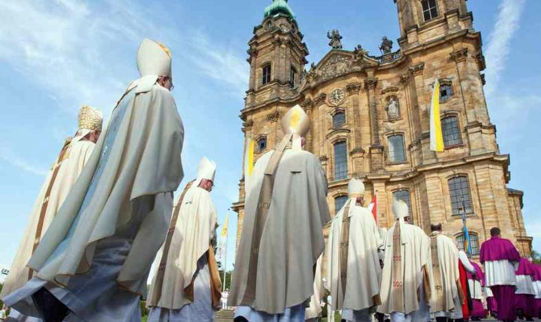 En qué quedó el debate sobre mujeres sacerdotes