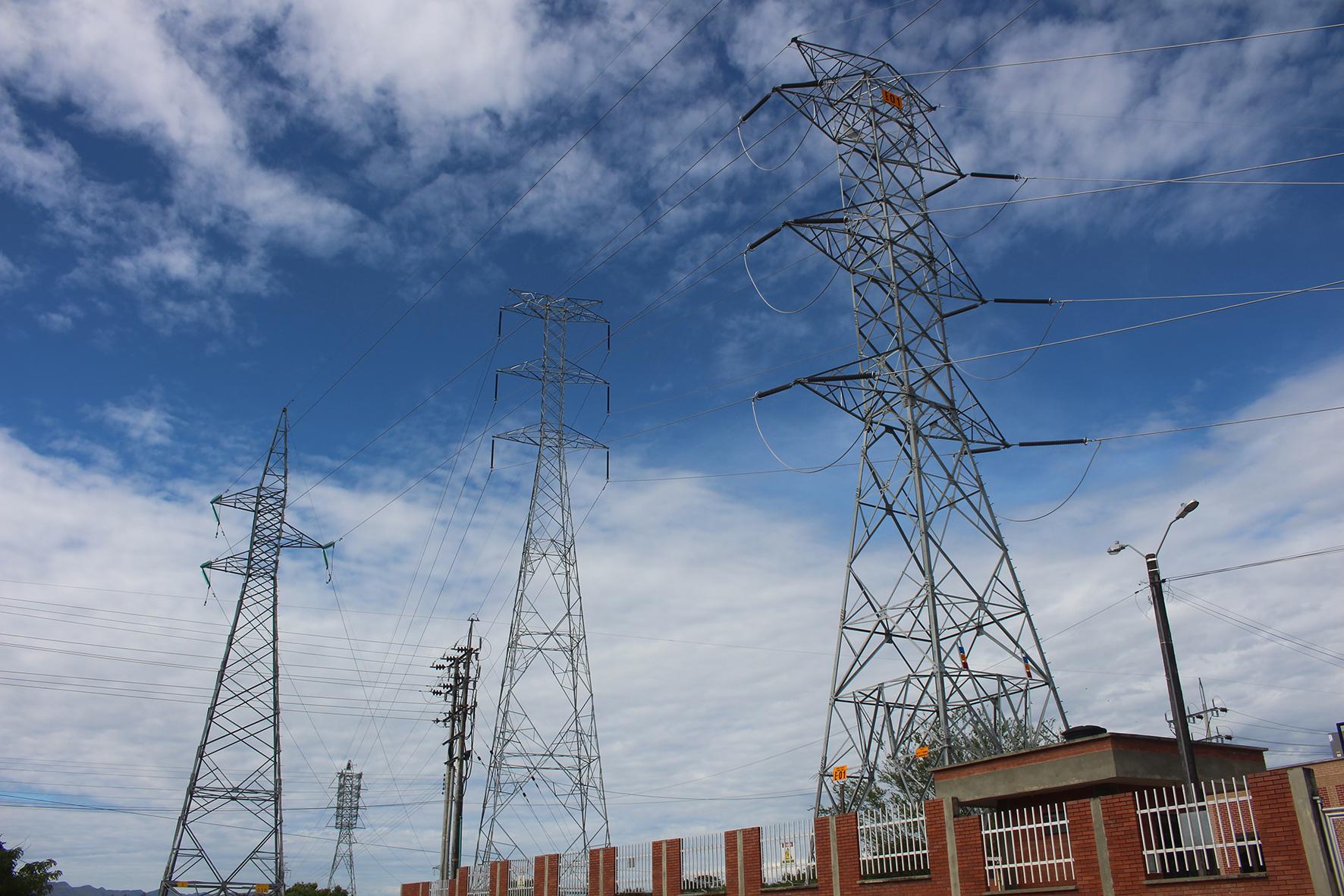 Aprobación del Plan Nacional de Desarrollo y sus efectos en el alza de las tarifas de energía