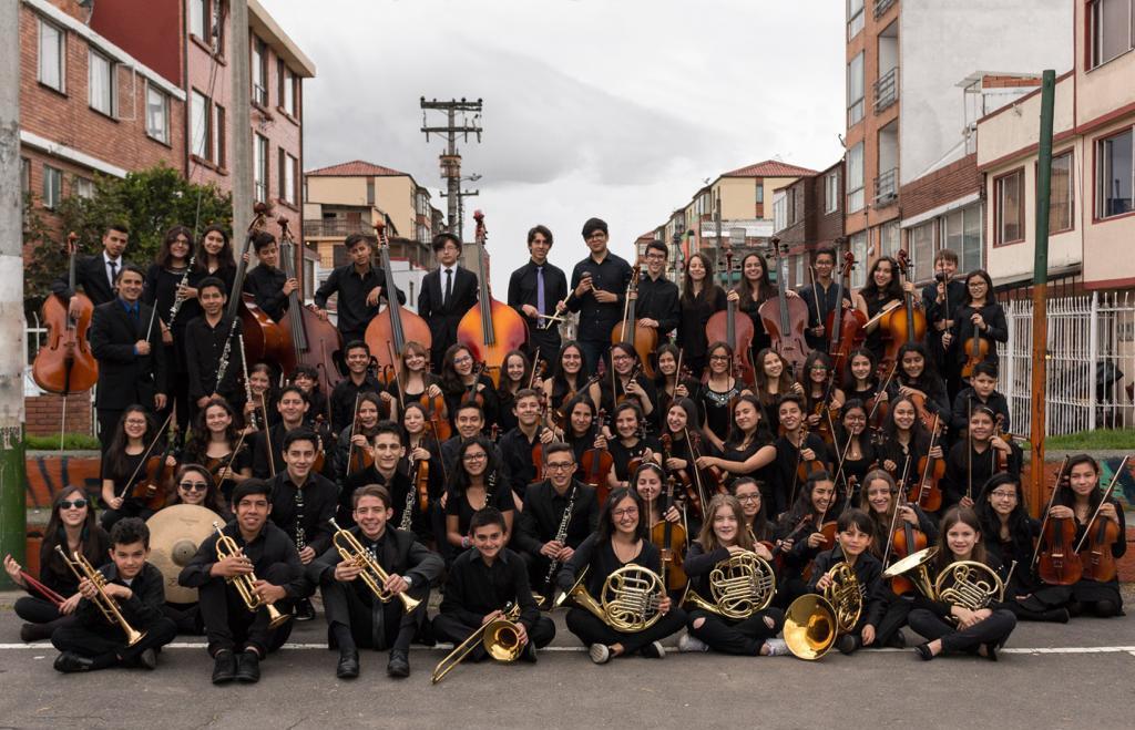 Bach y compositores colombianos en el auditorio Fabio Lozano con la orquesta Batuta Bogotá