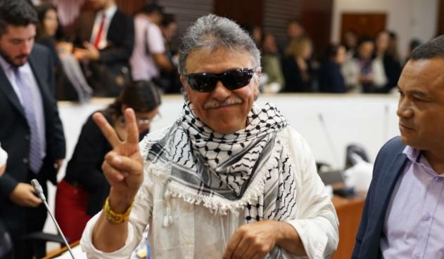 Levantan sesión en Comisión séptima por presencia de Santrich