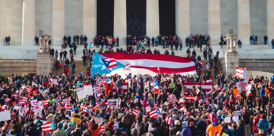 Ricardo Rosello, homofobia, insultos, famosos y represión, actualidad en Puerto Rico