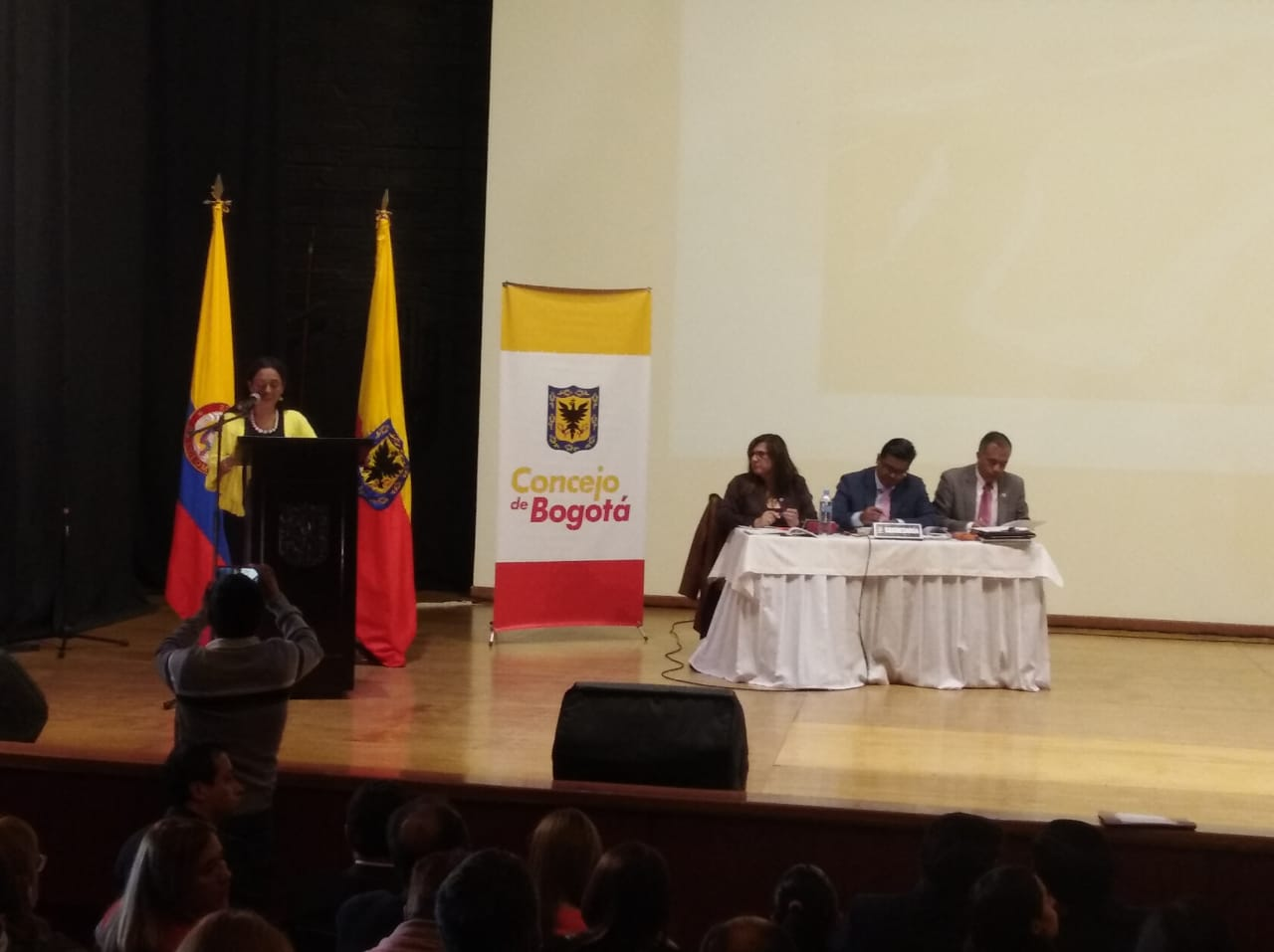 Concejo de Bogotá sesionó desde el barrio Minuto de Dios