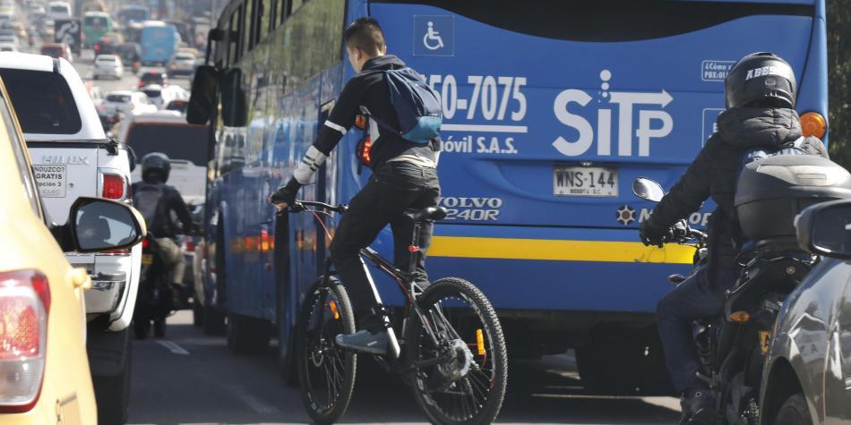 Entre triunfos y una gran derrota: la muerte en la vía de los ciclistas