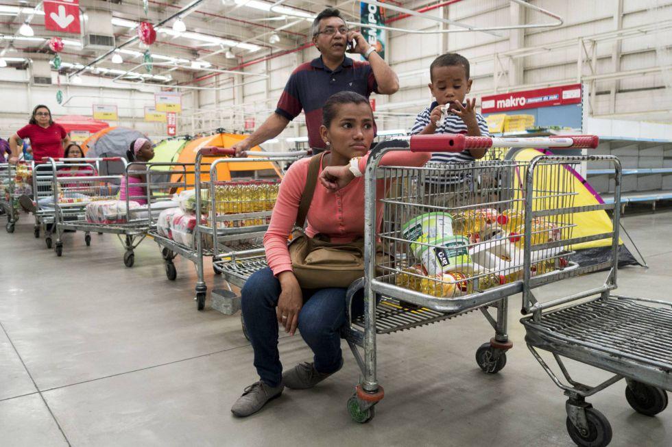"""El único responsable  de las sanciones es Maduro que """"debe salir pronto del poder que usurpa ilegalmente"""""""