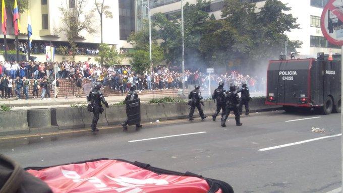 Graves disturbios en la zona universitaria de la Séptima