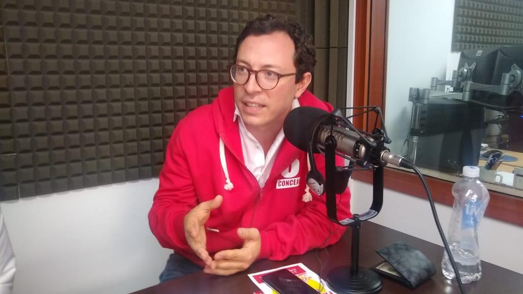 """""""Yo sueño con la verdadera política que es el arte de servir y transformar la vida de las personas"""". Juan Baena"""
