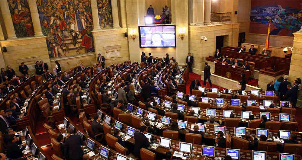 Cámara de Representantes dejará de pagar planes móviles