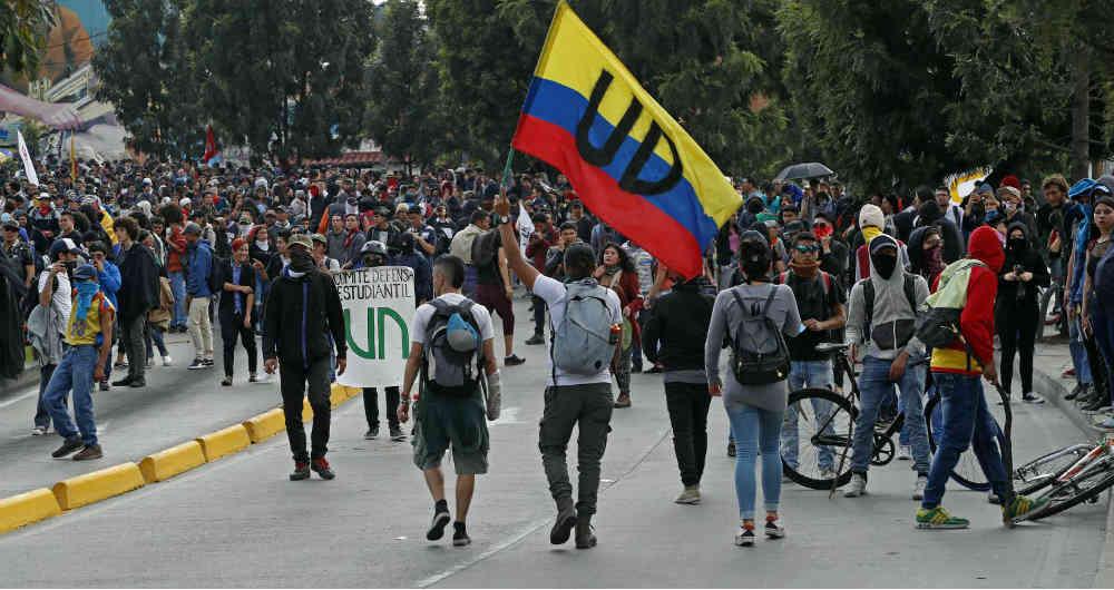 Destrozos, capturas y agresiones; el balance de las marchas de ayer