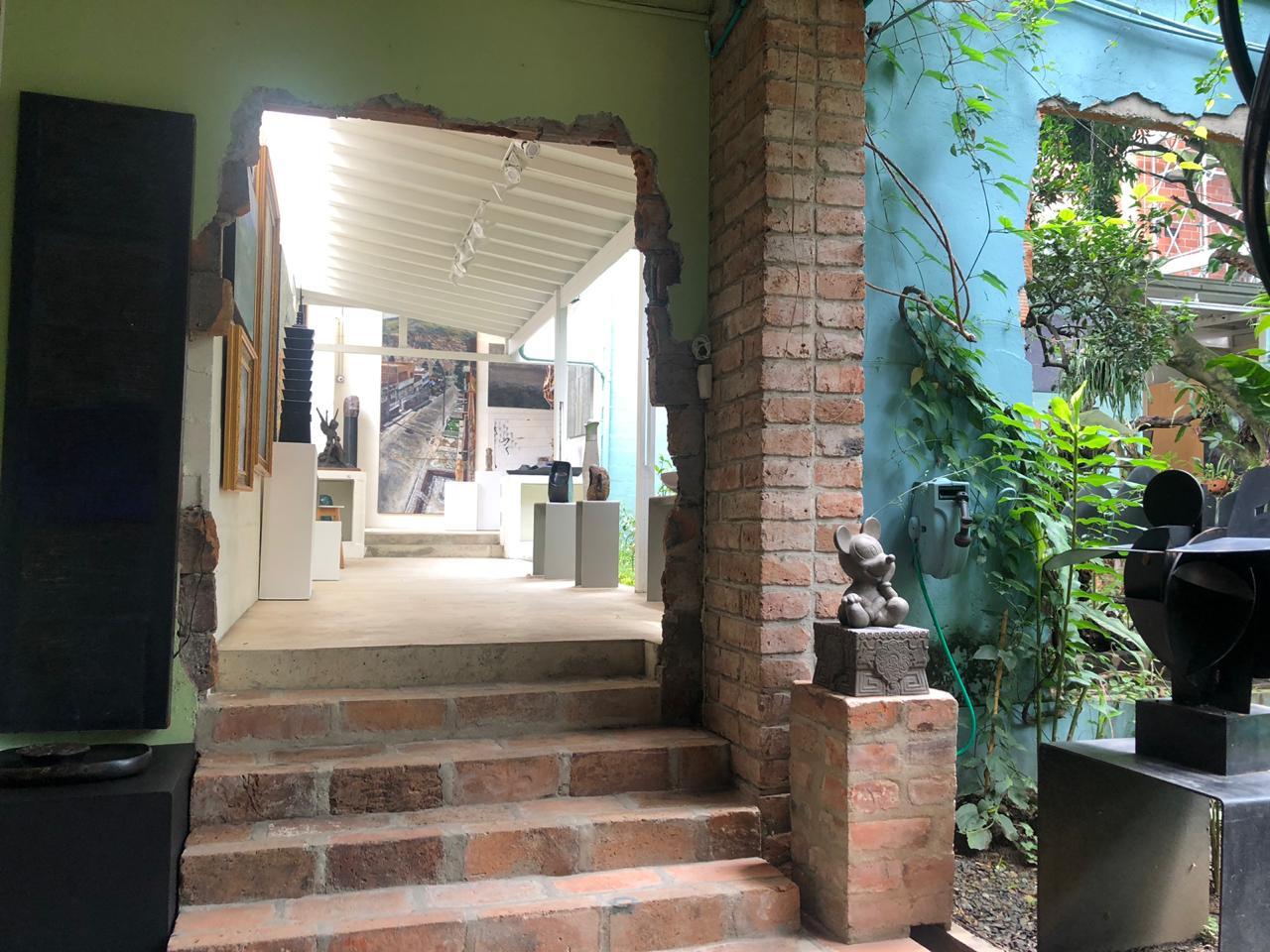 """La galería de arte AH Fine Art inaugura la exposición """"La hermandad de la lanza"""""""