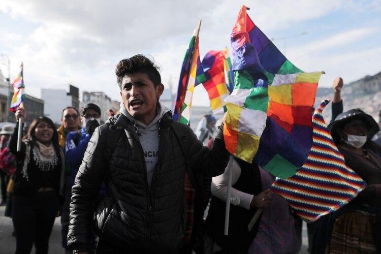 Una semana sin Evo y con Añez ¿Qué tan dividida está Bolivia?