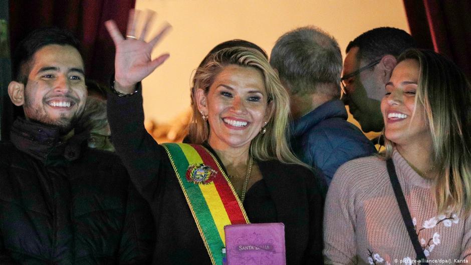 Presidenta interina de Bolivia convocará a elecciones incluso sin aval parlamentario
