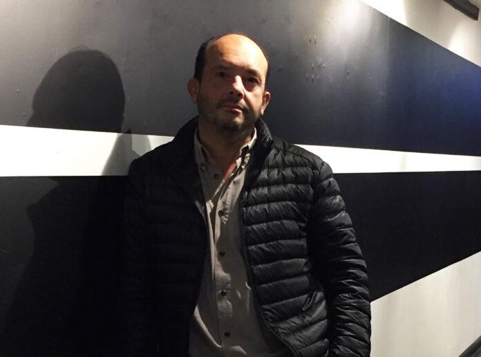 Pablo Velásquez, creador de la galería Creando Espacios del CICA.